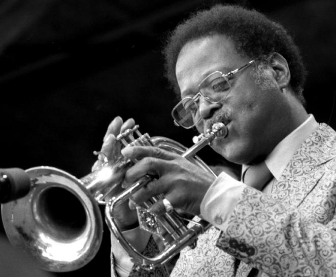 Clark Terry no festival de jazz de Monterey de 1981 (Foto: Brianmcmillen/CC BY-SA 3.0/Wikimedia Commons)